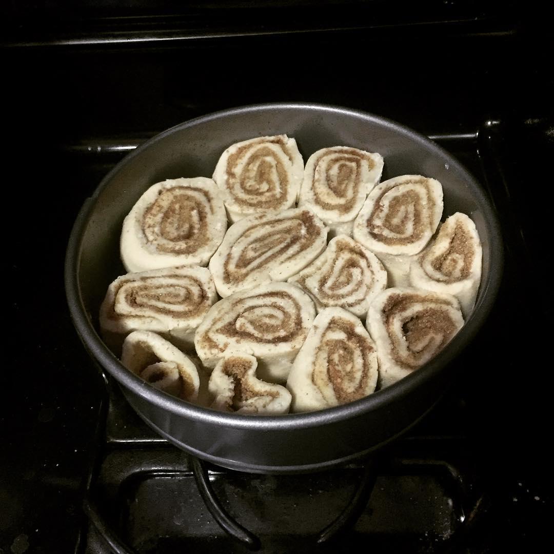 gluten free cinnamon rolls raising